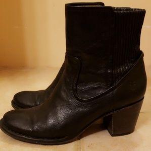 Frye Lucinda Scrunch Short boots